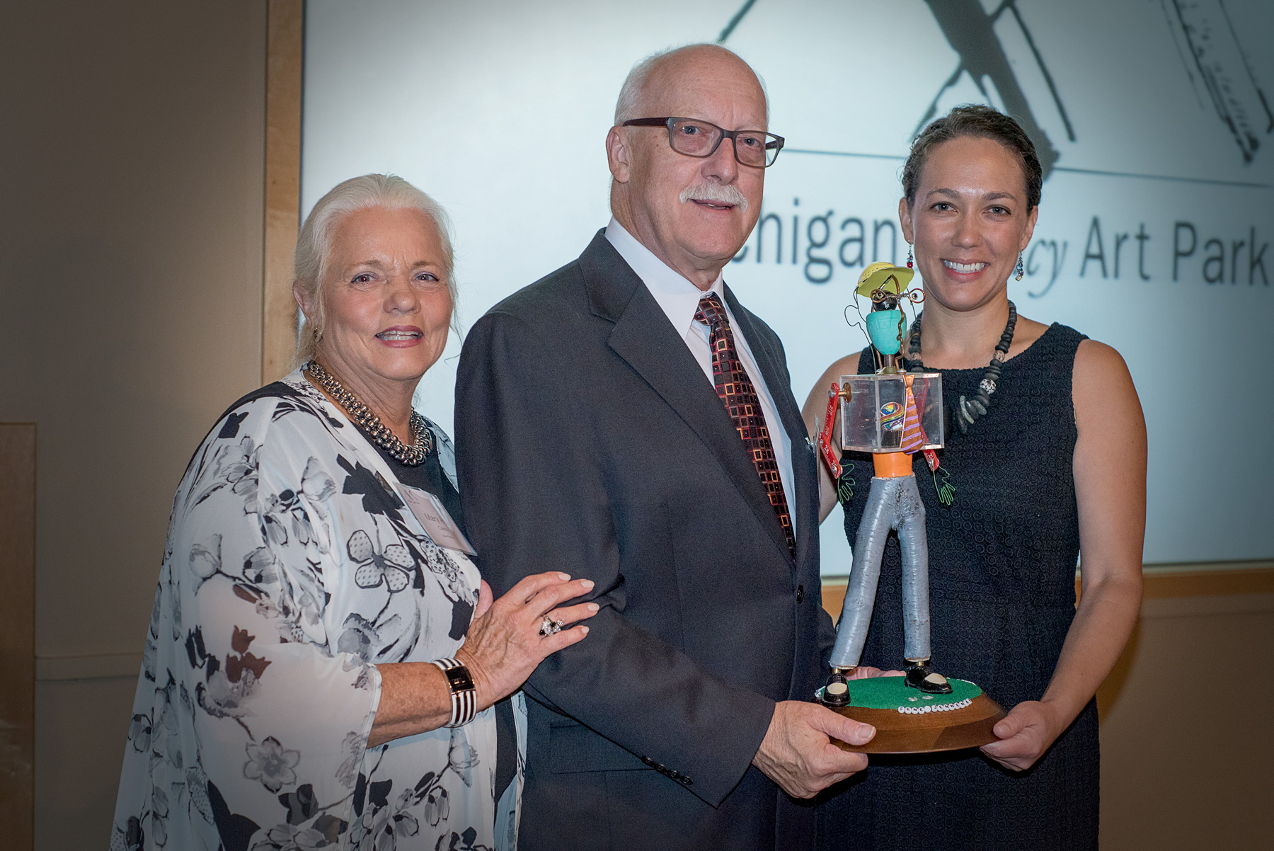 Gene Jenneman receives Legacy Award